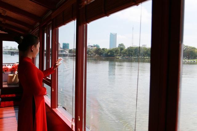 Thú vị du ngoạn thuyền rồng trên sông Hương - 2