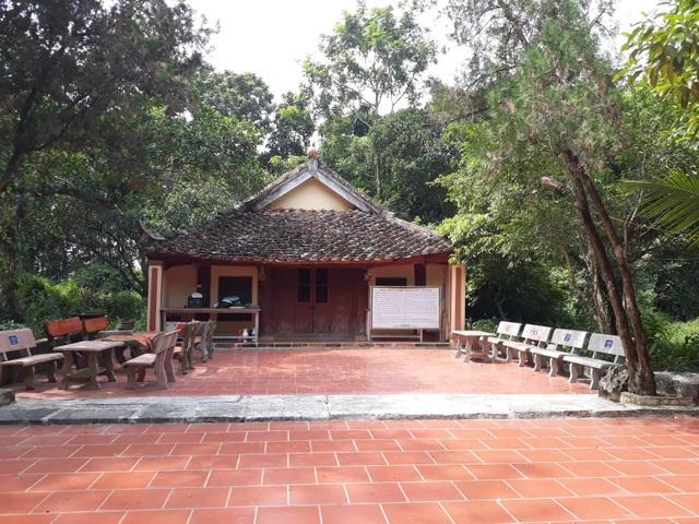 Ngôi nhà thờ còn sót lại trong quần thể di tích lịch sử văn hóa kiến trúc độc đáo đền thờ Nguyễn Văn Nghi.
