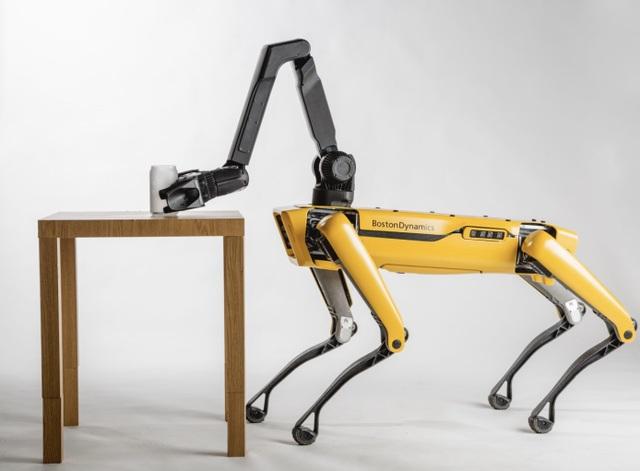 Robot Spot Mini có thể thực hiện được những chuyển động phức tạp và yêu cầu sự chính xác cao.