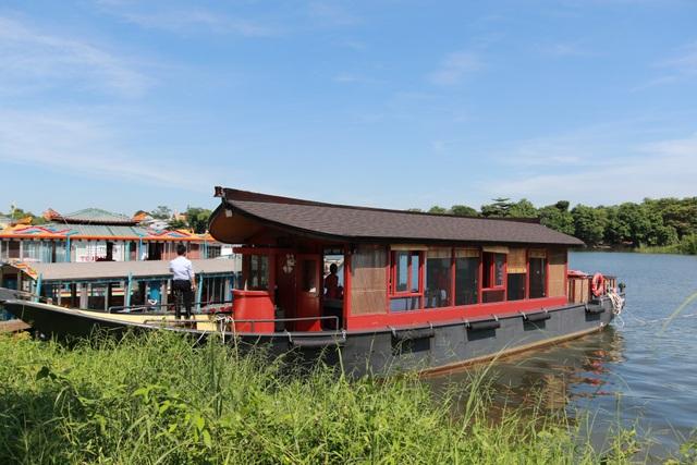 Dòng thuyền rồng thế hệ mới trên sông Hương có tên Nam Xuân