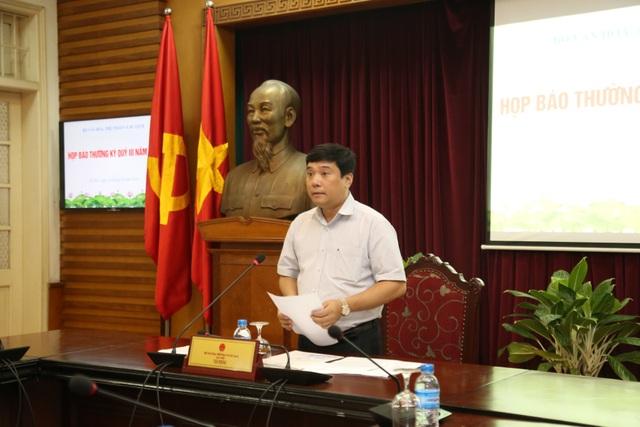 Ông Nguyễn Thái Bình chủ trì cuộc họp báo Thường kỳ Quý III - 2018 diễn ra tại VP Bộ VHTT&DL chiều ngày 16/10. Ảnh: Tùng Long.