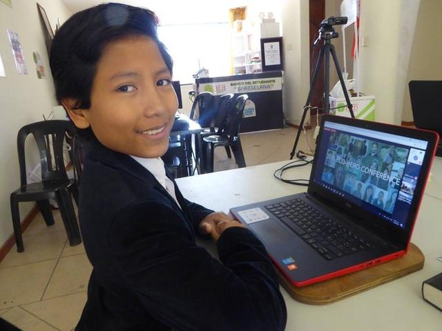 Ngân hàng của cậu bé người Peru hiện đang giúp nhiều trẻ em có tiền tiết kiệm