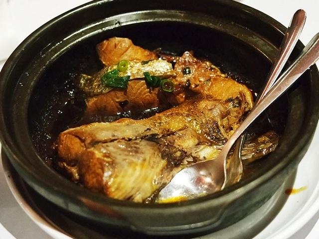 Báo nước ngoài giới thiệu cá kho tộ Việt Nam nằm trong các món hải sản đáng để thử - 1