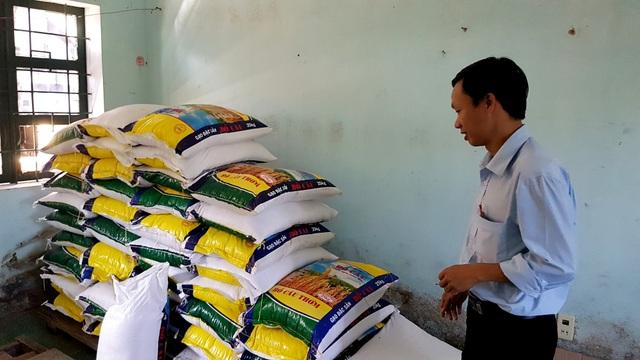 Kho lương thực tại trường Phổ thông dân tộc bán trú THCS Nguyễn Văn Trỗi, xã Atiêng