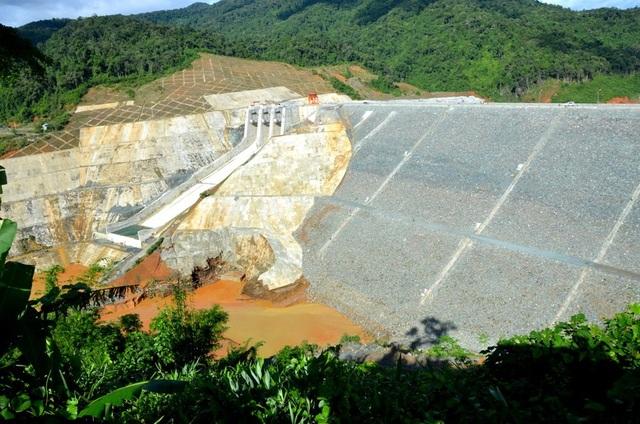 Sau hơn 2 năm xảy ra sự cố vỡ cống dẫn dòng, thủy điện Sông Bung 2 đã hoàn thành sửa chữa và đủ điều kiện tích nước