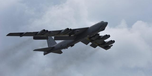 Một máy bay ném bom B-52 của Mỹ (Ảnh: Reuters)
