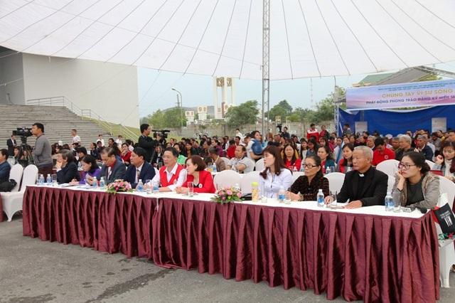Hơn 400 người tham gia lễ phát động hiến mô, tạng tại Ninh Bình.