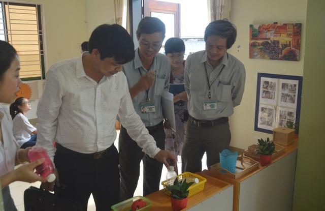 Đoàn công tác của Bộ Y tế kiểm tra thực tế phòng chống dịch bệnh tay chân miệng ở Đà Nẵng