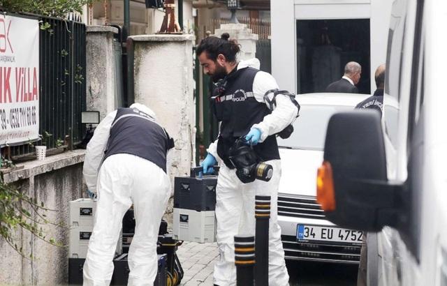 Cảnh sát Thổ Nhĩ Kỳ đã tới lãnh sự quán Ả rập Xê út để điều tra vụ việc. (Ảnh: Getty)