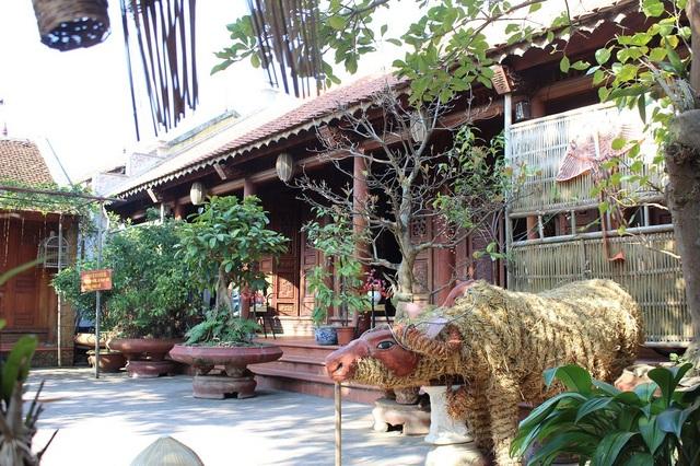 Năm 2006, Đường Lâm nhận danh hiệu làng cổ cấp quốc gia, mỗi năm nơi đây đón khoảng 17 vạn du khách.