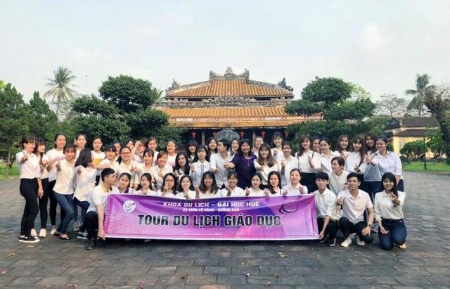 Tour du lịch giáo dục trải nghiệm tại Trường Quốc Tử Giám còn lại duy nhất ở Huế