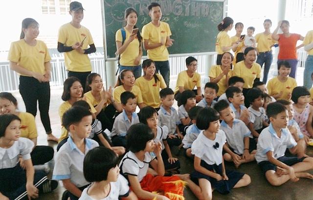 Tour du lịch kết hợp thiện nguyện đưa du khách đến với các trẻ em mồ côi, có hoàn cảnh khó khăn