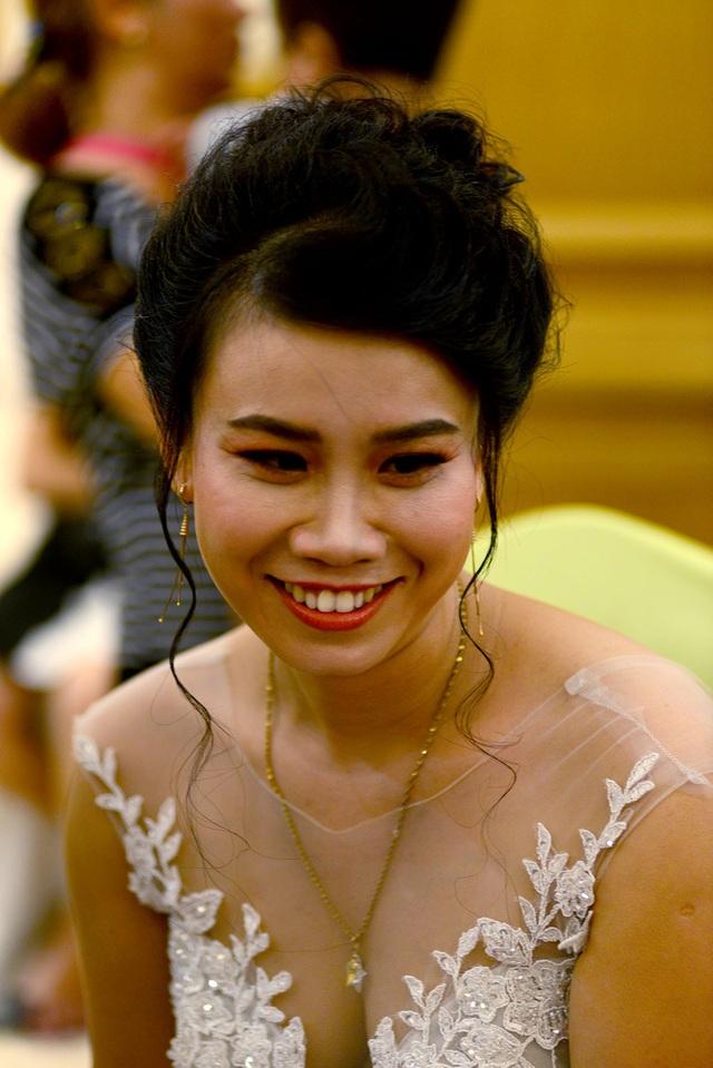 Những cô dâu xinh đẹp, rạng rỡ trong ngày cưới.