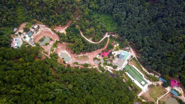 Nhiều năm trở lại đây trên địa bàn xã Minh Phú (Sóc Sơn, Hà Nội) có nhiều người đến mua đất với diện tích lớn để xây dựng nhà vườn, biệt thự trong phạm vi rừng phòng hộ.