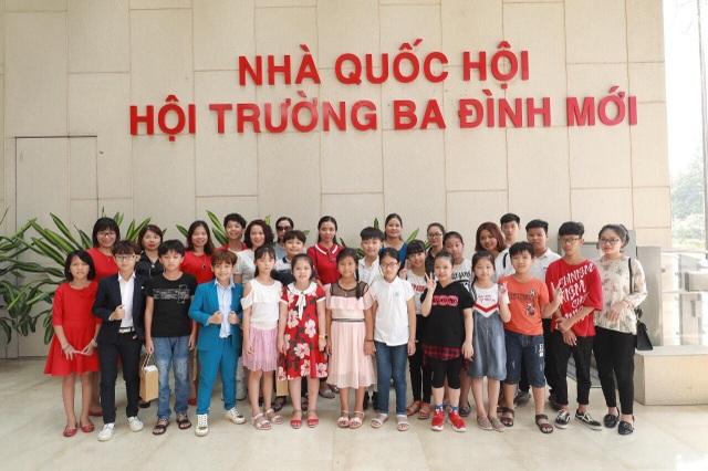 Chuyến tham quan tòa nhà Quốc hội Việt Nam cơ hội trải nghiệm quý giá cho trẻ nhỏ - 5