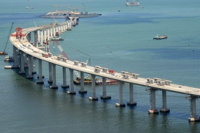 Công trình kết nối hai đặc khu kinh tế với 1 thành phố ở đại lục Trung Quốc