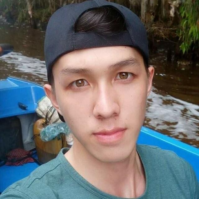 Bành Đức Hoài (sinh năm 1996), hiện đang sống và học tập ở Cần Thơ. Hoài đang là sinh viên năm 3, khoa Răng - Hàm - Mặt, trường ĐH Y Dược Cần Thơ.