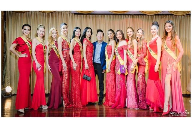Các người đẹp đã trải qua phần thi Trình diễn trang phục dân tộc. Trong phần thi này, Phương Nga đã lọt top 10.