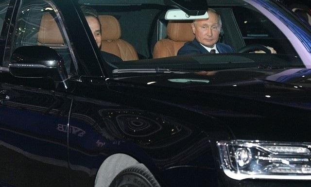 Tổng thống Putin lái siêu xe chở Tổng thống Ai Cập thăm đường đua Công thức 1 - Ảnh 5.