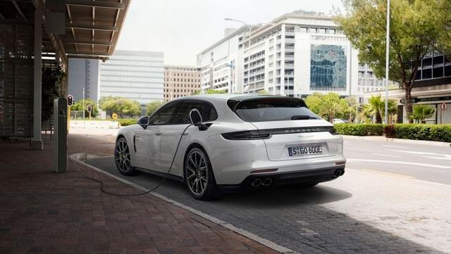 Porsche ra phiên bản GTS mới cho dòng Panamera - 13