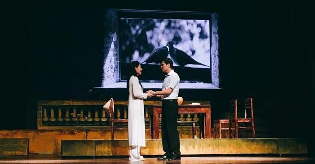 Những khoảnh khắc lãng mạn của thanh niên Hà Thành thời chiến.
