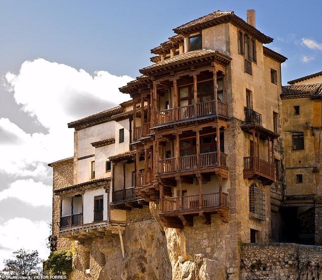 Những ngôi nhà treo nằm ở tỉnh Cuenca của Tây Ban Nha.