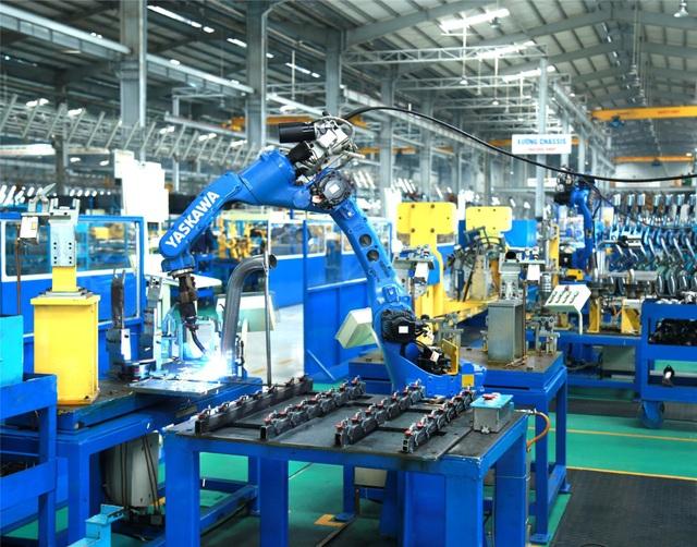 Robot hàn ống xả ô tô - sản phẩm xuất khẩu của Tổ hợp cơ khí Thaco