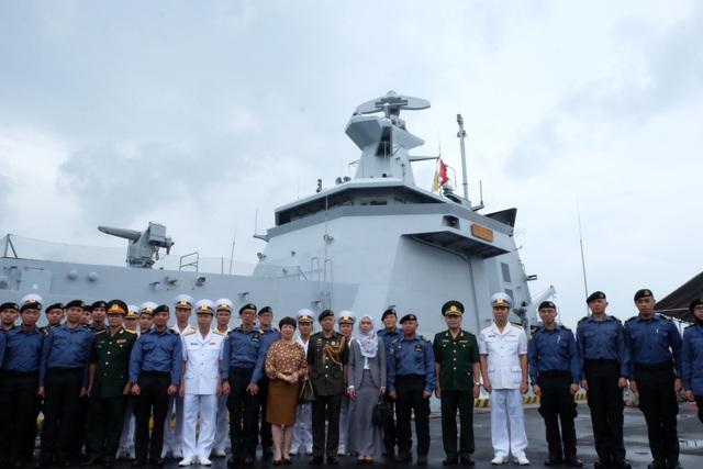 Lễ đón tàu Hải quân Brunei vừa cập cảng Tiên Sa, Đà Nẵng sáng 2/10
