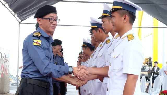 Sĩ quan Brunei và Việt Nam sẽ có các buổi trao đổi kinh nghiệm, giao lưu bóng đá trong thời gian tàu KDB Daruttaqwa đến thăm Đà Nẵng