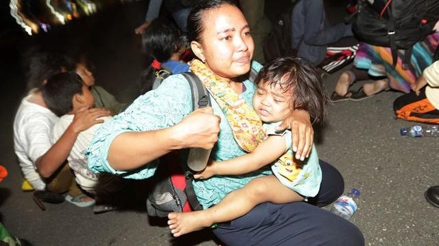 Gần 30.000 người đã bị mất nhà cửa ở Palu. Trong khi đó, các bệnh viện quá tải bệnh nhân sau thảm họa.