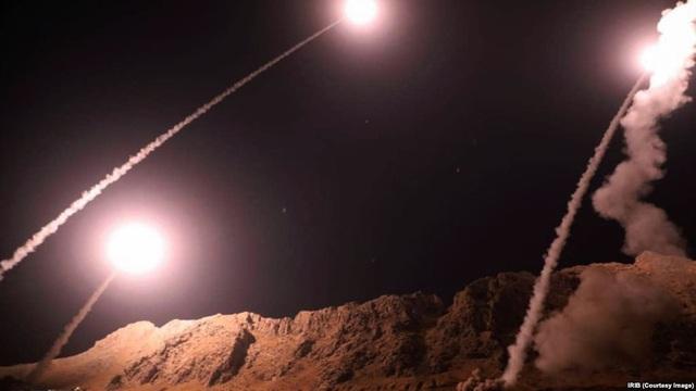 Iran tấn công tên lửa vào Iran sáng 1/10. (Ảnh: Courtery Image)