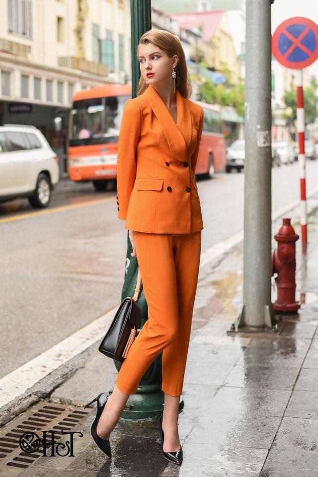 Khi diện suit, các quý cô đều trở nên quyến rũ với thần thái sang trọng, gợi cảm và mạnh mẽ.