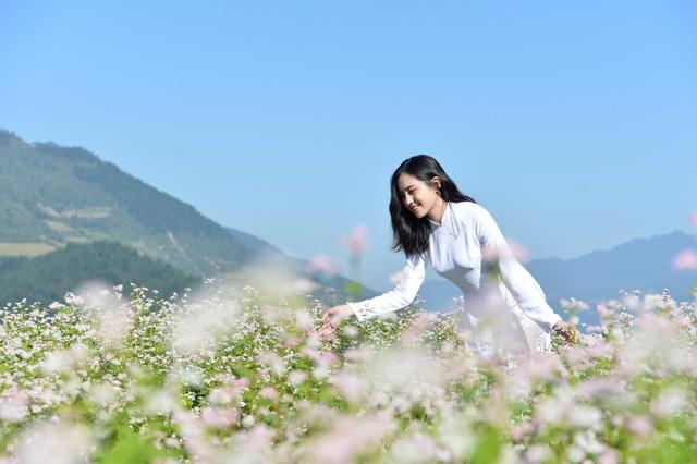 Sau khi những hình ảnh trên được lan toả trên một số diễn đàn, lượng người theo dõi và kết bạn với Trang đã tăng lên nhiều.
