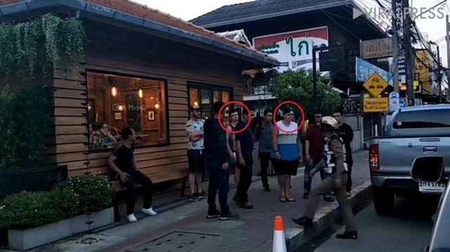 Hai vị khách bị cảnh sát tóm gọn ở khách sạn