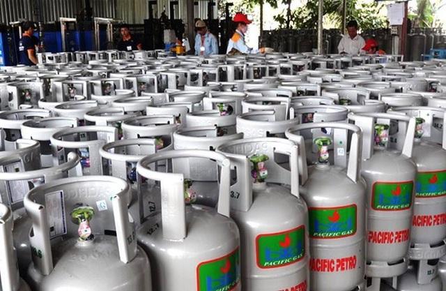 """Nhiều doanh nghiệp, cửa hàng gas tại TPHCM """"kêu trời"""" vì việc lập sổ theo dõi vỏ chai LPG."""