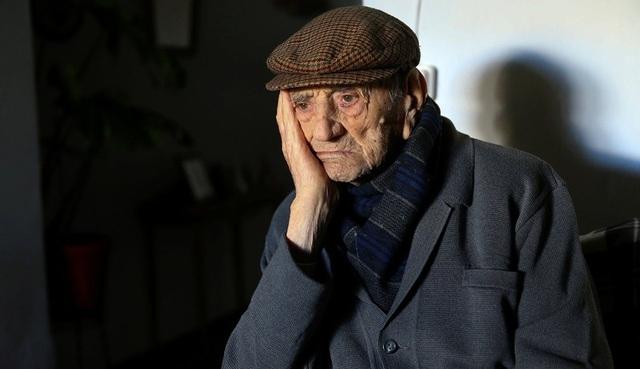Cụ ông người Tây Ban Nha, Francisco Nuñez Olivera, người đàn ông được xác định là cao tuổi nhất thế giới, qua đời vào tháng 1 năm 2017 ở tuổi 113.