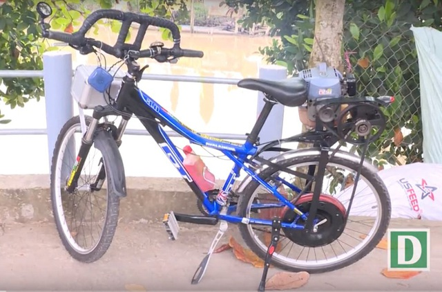 Chiếc xe đạp máy độc nhất vô nhị của ông Việt