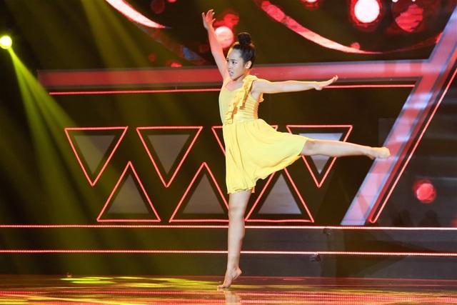 Cô bé Lê Mỹ Duyên múa đương đại trên nền bản nhạc Tháng năm rực rỡ của ca sĩ Mỹ Tâm nhận được nhiều sự chú ý của khán giả và các HLV. Chỉ mới vài giây đầu bài múa, cô bé đã được Phạm Lịch - Quốc Đại bấm nút chọn, tiếp đó là Huỳnh Mến - Tố My.