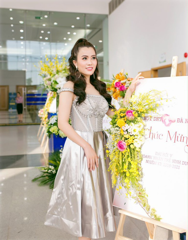 Á hậu Ngô Thu Phương từ Hà Nội vào tham dự Đại hội Doanh nhân Trẻ tỉnh Bình Dương - 6