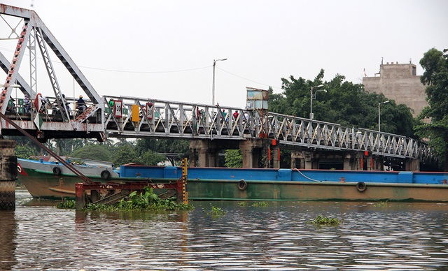 Việc tháo dỡ cầu Phú Long cũ sẽ phát huy tiềm năng giao thông đường thủy, kết nối giao thông, tạo động lực thúc đẩy phát triển kinh tế, góp phần giảm áp lực về giao thông đường bộ hiện nay, góp phần phát triển kinh tế vùng.