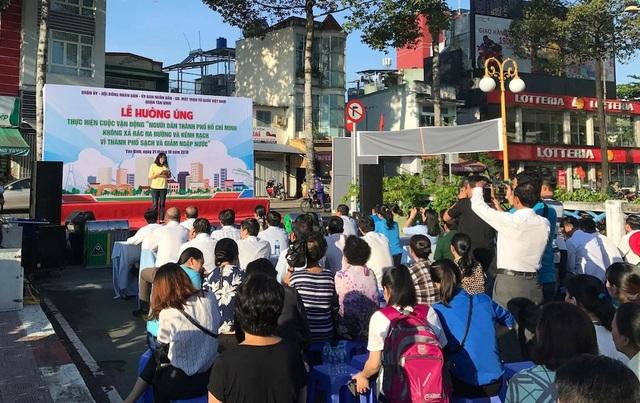 Lễ hưởng ứng cuộc vận động không xả rác tại quận Tân Bình