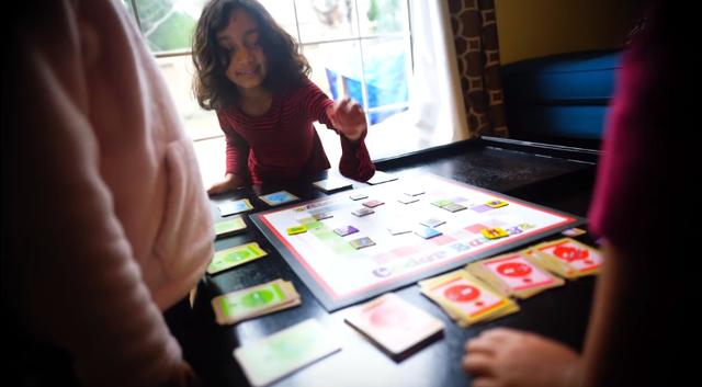 Samaira Mehta và bộ trò chơi CoderBunnyz.