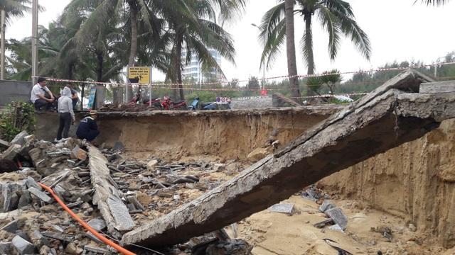 Bờ biển Mỹ Khê (Đà Nẵng) bị sạt lở nghiêm trọng