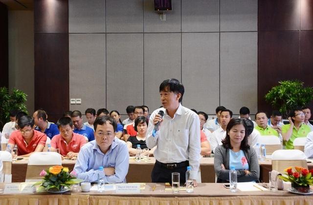 Các đại biểu tham gia tham luận tại hội nghị