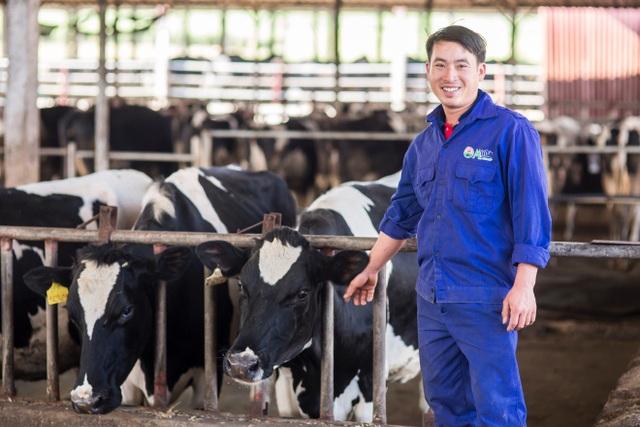 """Nông dân Nguyễn Văn Quang và tâm huyết """"không từ bỏ con bò"""" của gia đình"""