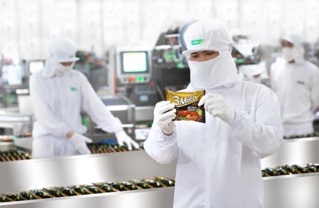 """Các máy móc thiết bị hiện đại, công nghệ sản xuất tiên tiến và áp dụng một quy trình đảm bảo chất lượng nghiêm ngặt đã cho phép Uniben tạo ra các sản phẩm chất lượng, thơm ngon và đậm đà hương vị Việt"""" đặc trưng."""