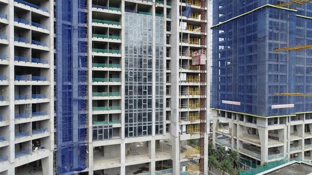 Chủ đầu tư Sunshine Group đã sử dụng hệ Unitized cho việc bao kính toàn bộ tòa nhà Sunshine City.