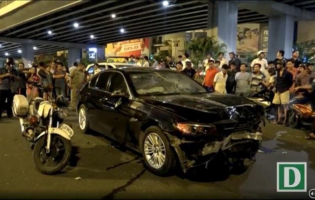 Hiện trường vụ tai nạn tối 21/10 tại ngã tư Hàng Xanh (quận Bình Thạnh, Tp Hồ Chí Minh)