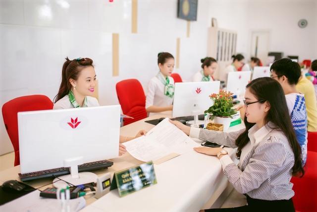 Lợi nhuận hợp nhất trước thuế 9 tháng của VPBank đạt 6.125 tỷ đồng, doanh thu đạt hơn 22.100 tỷ tăng 26% so với cùng kỳ.