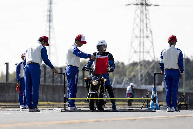 Hướng dẫn viên lái xe an toàn của Việt Nam giành giải nhất tại Nhật Bản - 3